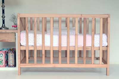 neonato lettino legno